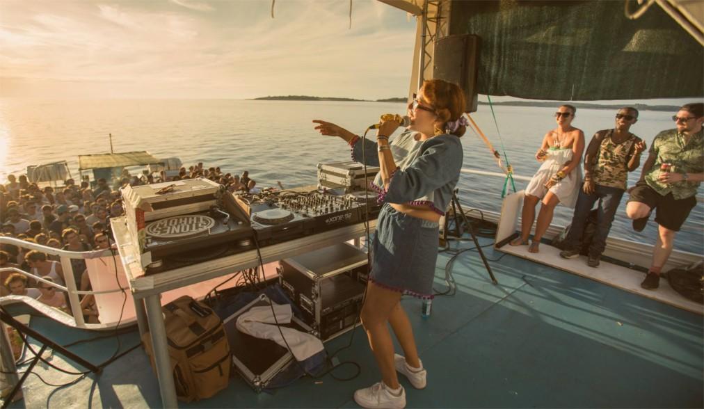 Музыкальный фестиваль Dimensions в Штиньяне http://travelcalendar.ru/wp-content/uploads/2016/05/Muzykalnyj-festival-Dimensions-v-SHtinyane_glav5.jpg