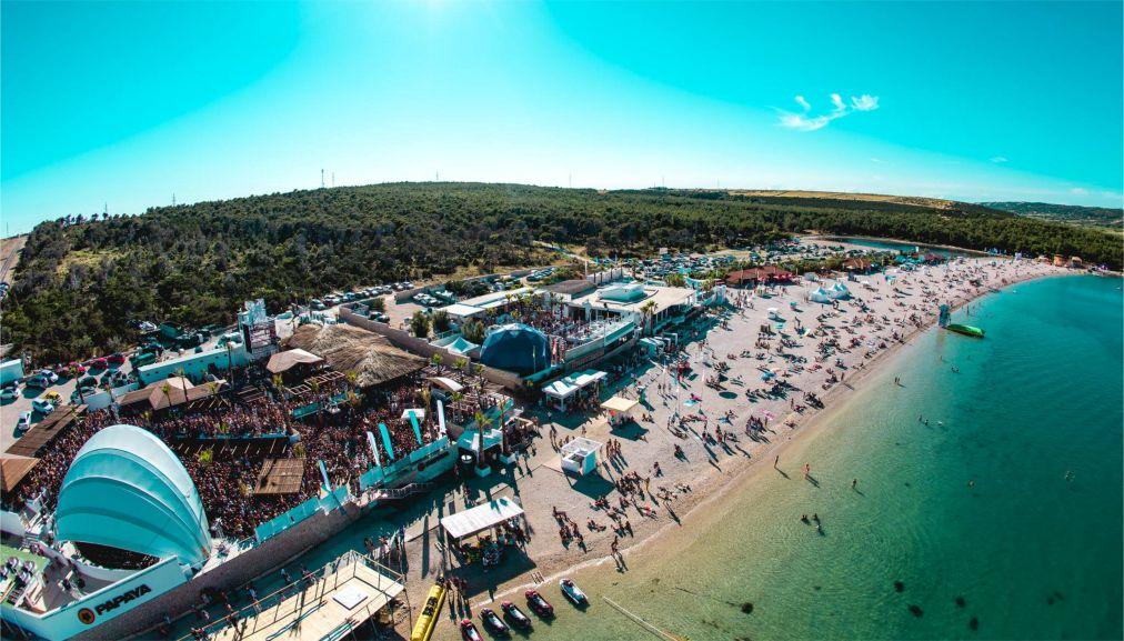 Музыкальный фестиваль Hideout на Паге http://travelcalendar.ru/wp-content/uploads/2016/05/Muzykalnyj-festival-Hideout-na-Page_glav2.jpg