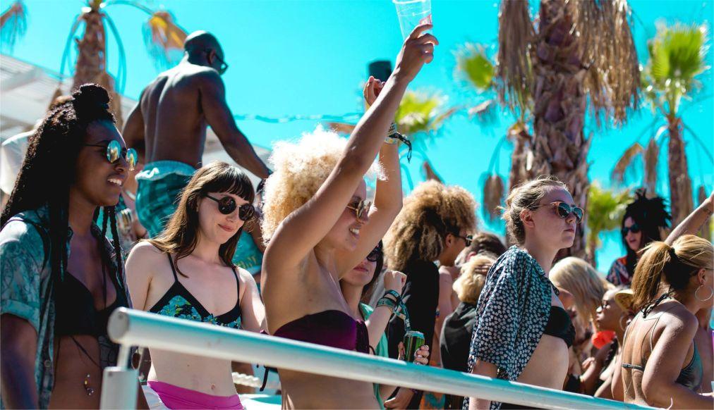 Музыкальный фестиваль Hideout на Паге http://travelcalendar.ru/wp-content/uploads/2016/05/Muzykalnyj-festival-Hideout-na-Page_glav3.jpg
