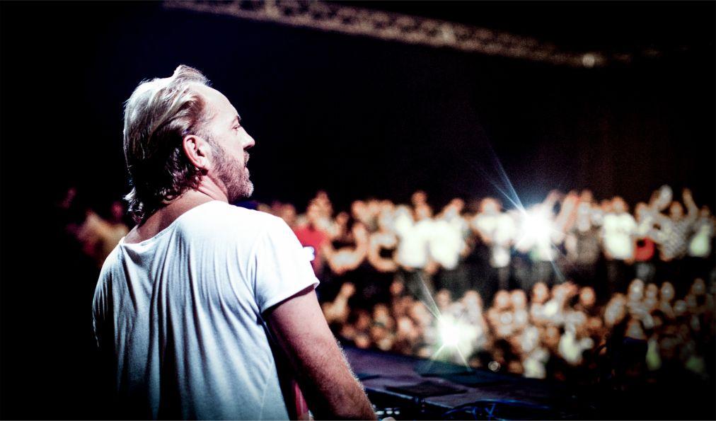 Музыкальный фестиваль «Sonar» в Барселоне http://travelcalendar.ru/wp-content/uploads/2016/05/Muzykalnyj-festival-Sonar-v-Barselone_glav2.jpg