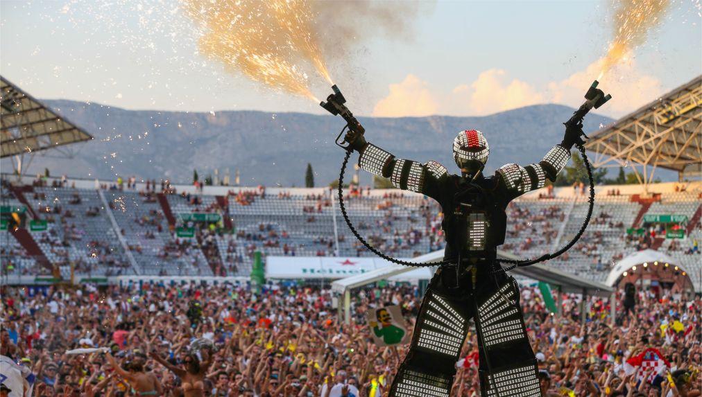 Фестиваль электронной музыки Ultra Europe в Сплите http://travelcalendar.ru/wp-content/uploads/2016/05/Muzykalnyj-festival-Ultra-Europe-v-Splite_glav4.jpg
