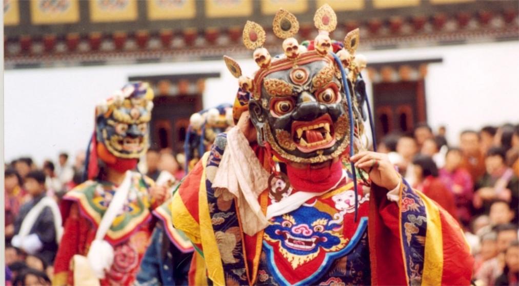 Праздник Сага Дава в Тибете http://travelcalendar.ru/wp-content/uploads/2016/05/Prazdnik-Saga-Dava-v-Tibete_glav2.jpg