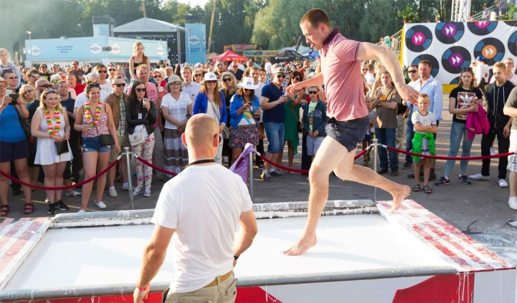 Фестиваль музыки и пива Ollesummer в Таллине http://travelcalendar.ru/wp-content/uploads/2016/05/Rezervnaya_kopiya_shablon-glavn7.jpg