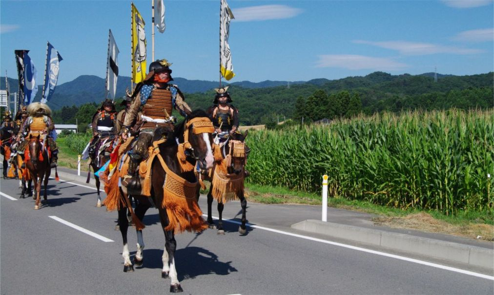Самурайский фестиваль Сома Нома Ой в Минами-Соме http://travelcalendar.ru/wp-content/uploads/2016/05/Samurajskij-festival-Soma-Noma-Oj-v-Minami-Some_glav1.jpg