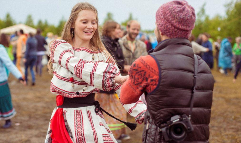 Этнофестиваль «Небо и Земля» в Песьянке http://travelcalendar.ru/wp-content/uploads/2016/06/Etnofestival-Nebo-i-Zemlya-v-Pesyanke_glav4.jpg