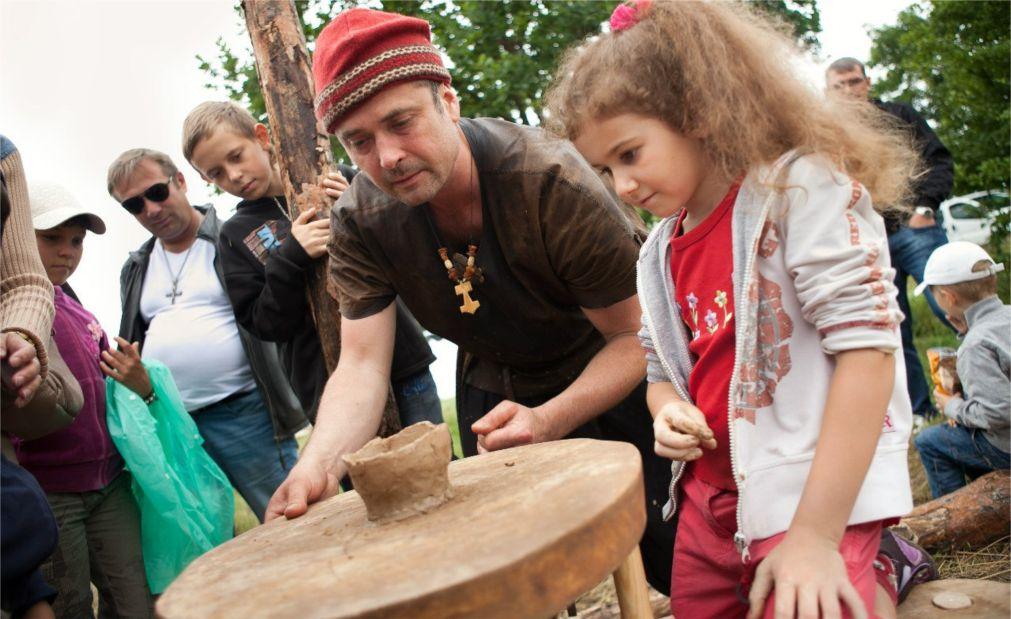 Фестиваль исторической реконструкции «Кауп» в Калининграде http://travelcalendar.ru/wp-content/uploads/2016/06/Festival-istoricheskoj-rekonstruktsii-Kaup-v-Kaliningrade_glav3.jpg