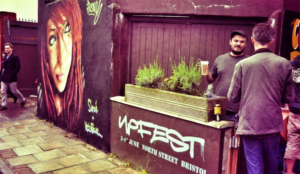 Фестиваль уличного искусства и граффити Upfest в Бристоле http://travelcalendar.ru/wp-content/uploads/2016/06/Festival-ulichnogo-iskusstva-i-graffiti-Upfest-v-Bristole_glav2.jpg