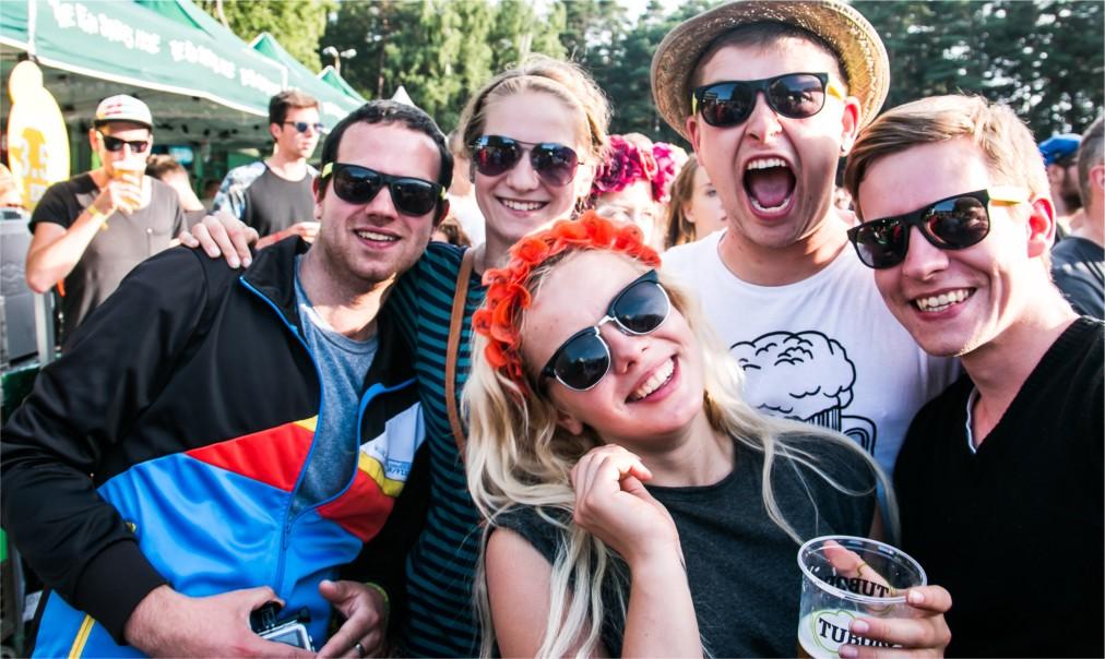 Музыкальный фестиваль Positivus в Салацгриве http://travelcalendar.ru/wp-content/uploads/2016/06/Muzykalnyj-festival-Positivus-v-Salatsgrive_glav1.jpg