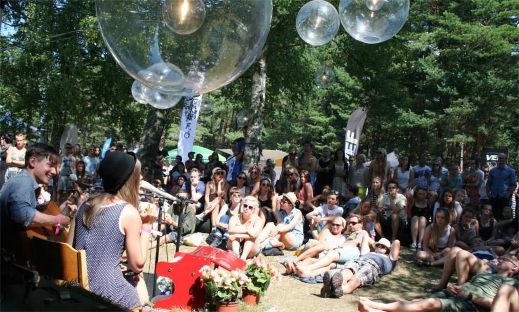 Музыкальный фестиваль Positivus в Салацгриве http://travelcalendar.ru/wp-content/uploads/2016/06/Muzykalnyj-festival-Positivus-v-Salatsgrive_glav2.jpg