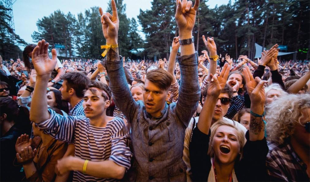 Музыкальный фестиваль Positivus в Салацгриве http://travelcalendar.ru/wp-content/uploads/2016/06/Muzykalnyj-festival-Positivus-v-Salatsgrive_glav3.jpg