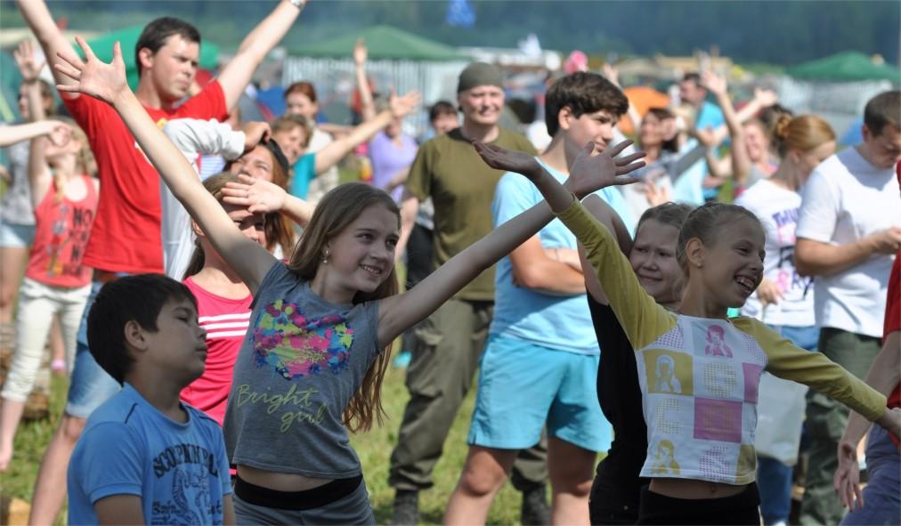 Всероссийский фестиваль авторской песни «Гринландия» в Башарово http://travelcalendar.ru/wp-content/uploads/2016/06/Vserossijskij-festival-avtorskoj-pesni-Grinlandiya-v-Basharovo_glav4.jpg