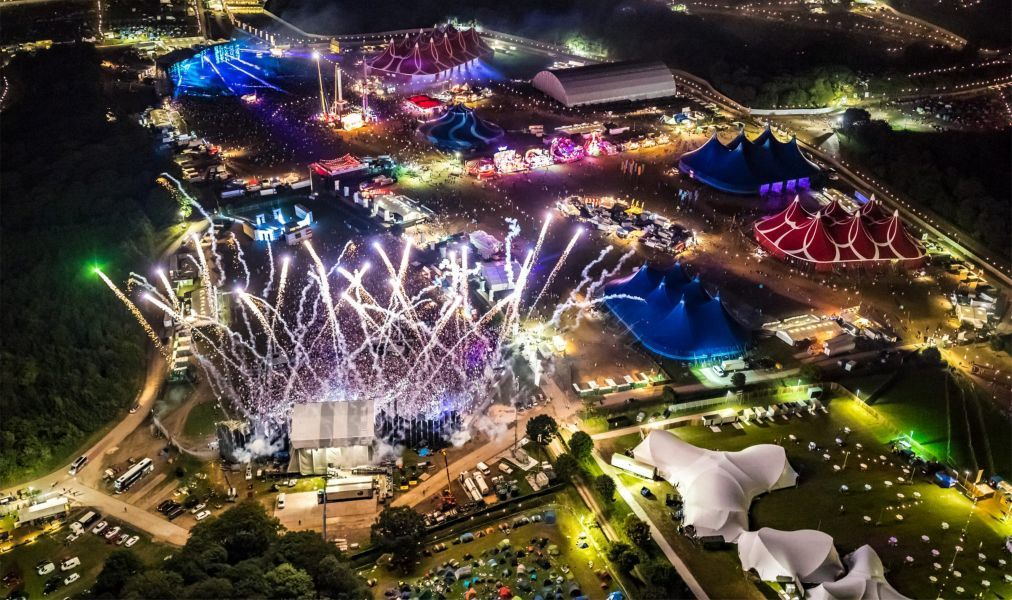 Фестиваль электронной музыки Creamfields в Дарсбери 002b5a5bdb5a6b57ffd29a9858be82c6.jpg
