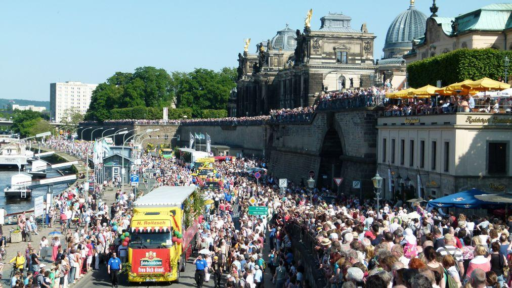 Международный фестиваль диксиленда в Дрездене 02b8539fc8728bb3f262c3ec0e559b17.jpg