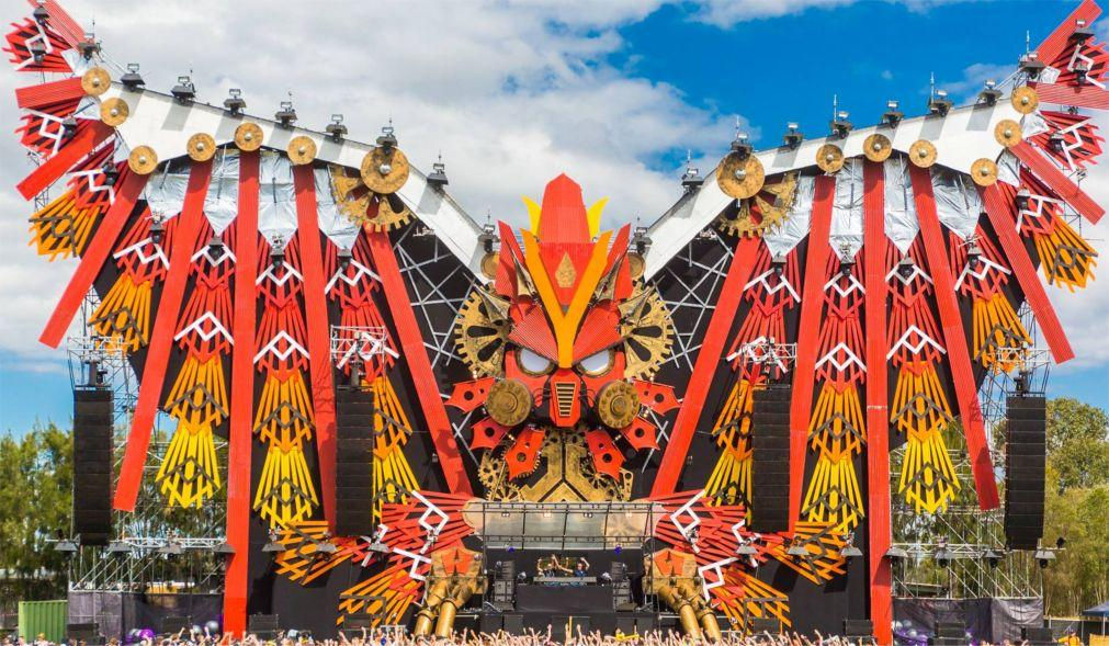 Фестиваль электронной музыки «Defqon.1» в Биддингхёйзене 04c1e70c17eb7778f1dc347649f14999.jpg