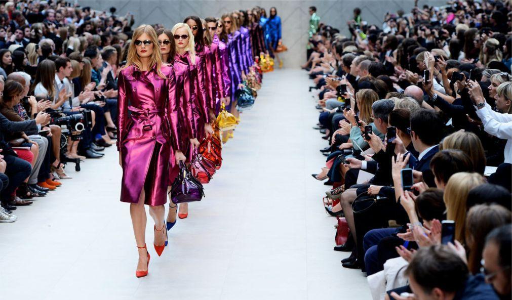 Неделя моды в Париже 050c8cd1b398fcb0087fb5be8eea2e04.jpg