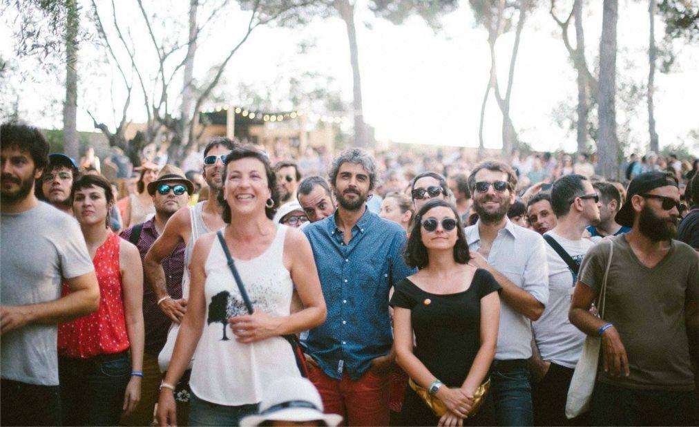 Музыкальный фестиваль VIDA в Барселоне 052c73af808c3eb1ba964cb0d688e88e.jpg