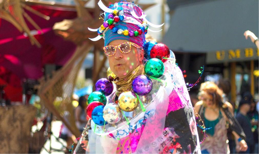 Уличный фрик-фестиваль How Weird Street Faire в Сан-Франциско 06a8f18d974edd1d6038e72e90e09a2b.jpg