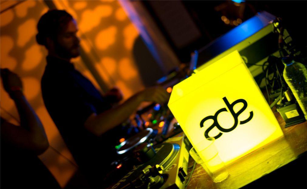 Международный фестиваль клубной музыки Amsterdam Dance Event 095843e518ee37b0a2ba09203c9c5012.jpg