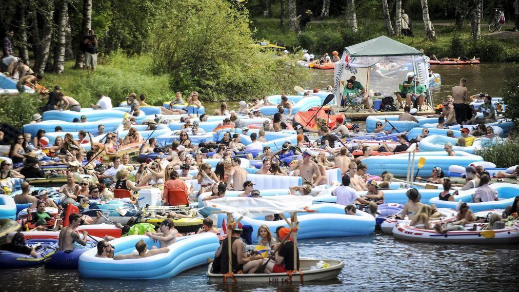 «Пивной сплав» по реке Вантаа 0b689cf50f9ddead5d9086de2b76b924.jpg