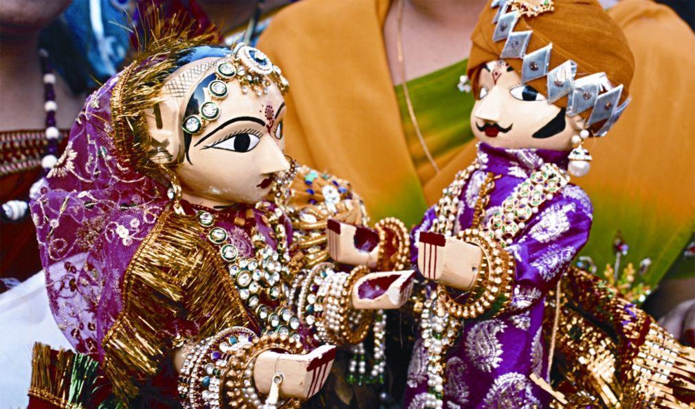 Фестиваль Гангаур в Раджастане 0d0a7b00c3567aef903e365531cd7f0e.jpg