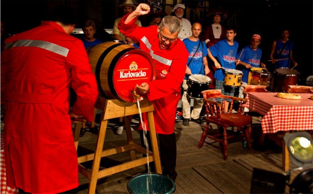 Пивной фестиваль «Дни пива» в Карловаце 0e357aaad119661a41efac55eff66631.jpg