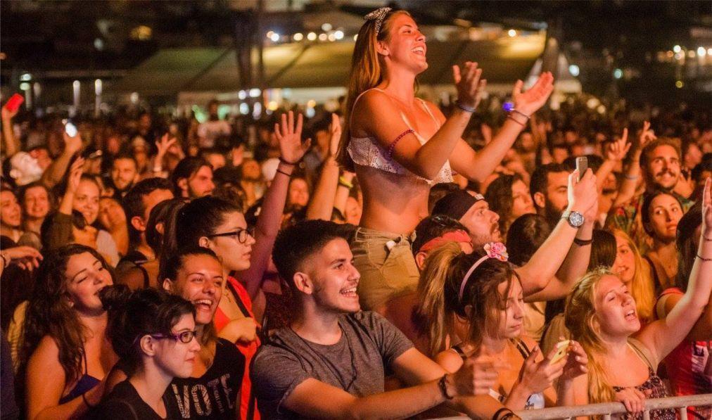 Музыкальный фестиваль «Матала» на Крите 0ead6f12ed3bc94bb491012ecabd9816.jpg