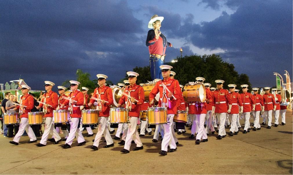 Ярмарка штата Техас «Big Tex» в Далласе 0f9bd8a95ecbc0d1bb6b61e2b78fa964.jpg