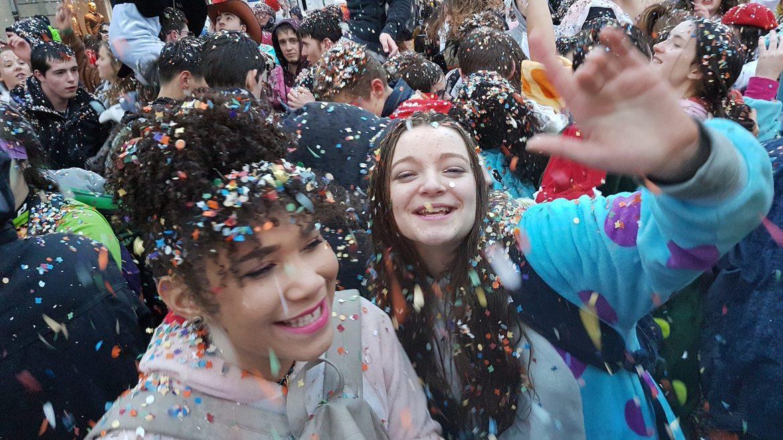Карнавал в Гранвиле 1075b4dc22cbe218c32623d12eebab2d.jpg