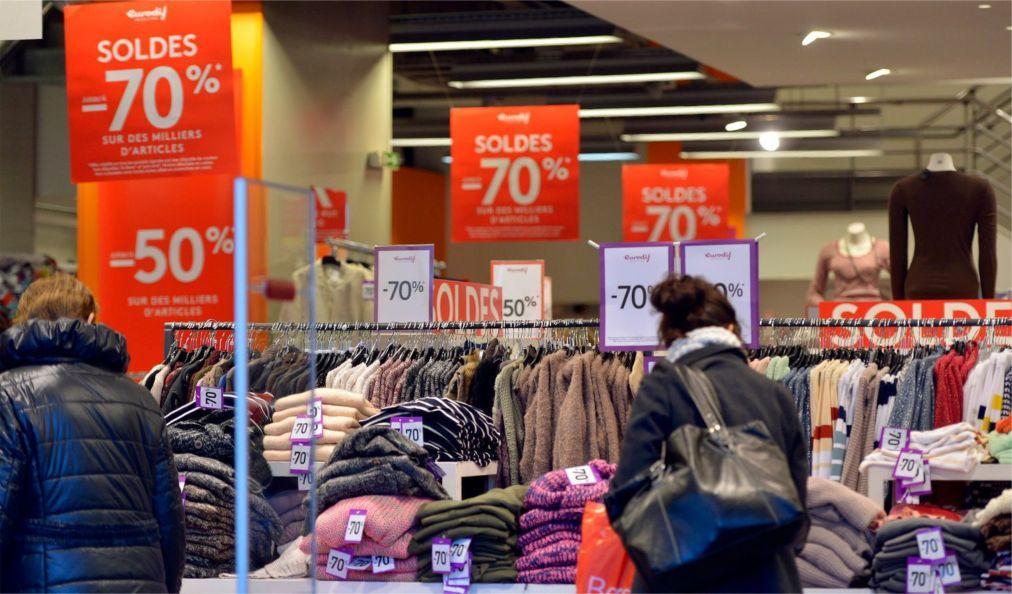 Сезон зимних распродаж в Париже 12e38c7a2b5e218e7c3b8fd493d2280a.jpg