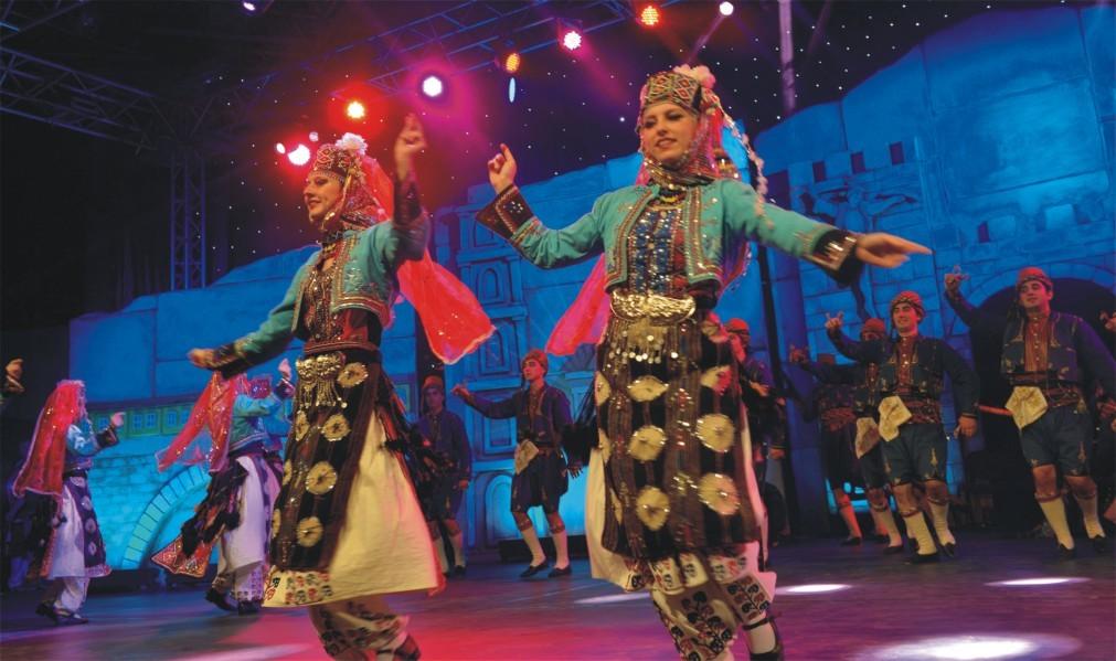 Международный конкурс народных танцев «Золотой Карагоз» в Бурсе 143288c6d2cfb7bdc2eed9efcc043c23.jpg