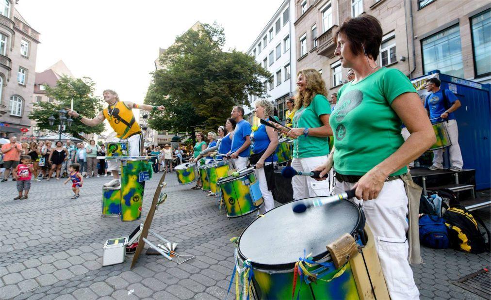 Музыкальный фестиваль Bardentreffen в Нюрнберге 16c20d1289c066036e52130ef7b401a0.jpg