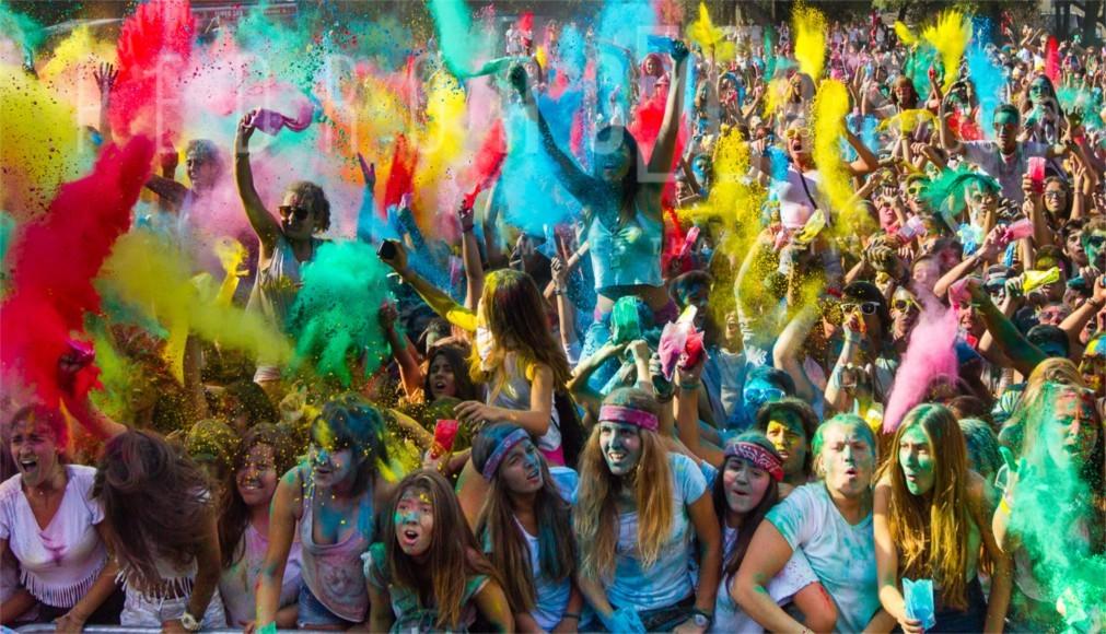 Фестиваль красок Холи в Лиссабоне 17035d23414ff50f94c4cef8b6083a07.jpg