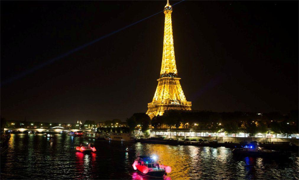 Городской фестиваль «Белая ночь» в Париже 1749a541ae3eb88dab22689f9573ffac.jpg