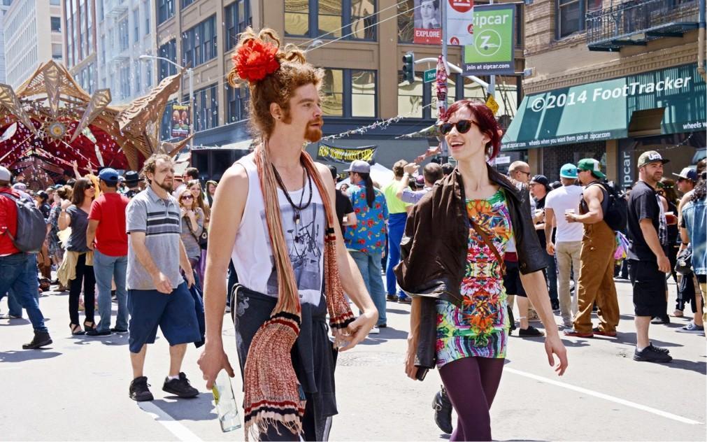 Уличный фрик-фестиваль How Weird Street Faire в Сан-Франциско 17ac2da4a6a9adb8af649d0a463ce78e.jpg