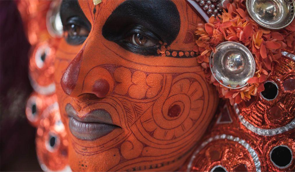 Фестиваль Тейям в Керале 17b9d7c58c5e315992c41d27c3aba56d.jpg