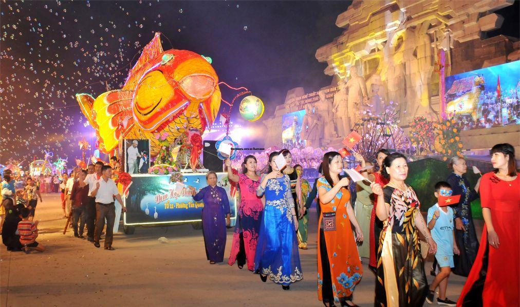 Фестиваль кита во Вьетнаме 17e4cec8748977e2bcb133c0ce4dc520.jpg