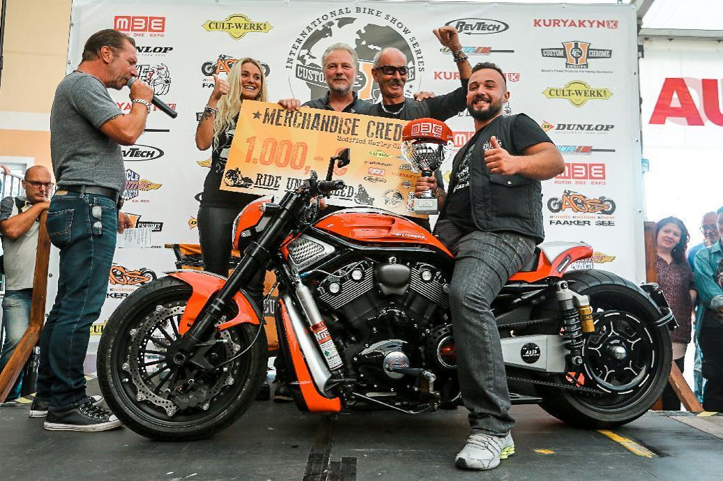 Международное байк-шоу Motor Bike Expo в Вероне 180204b23ca66cdad56e5d2df4123ae1.jpg
