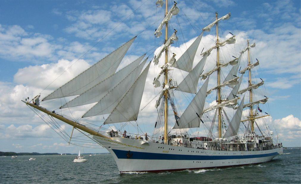 Международная черноморская регата больших парусных судов в Сочи 1b843edec364ecf9080dafa5f7f765e8.jpg