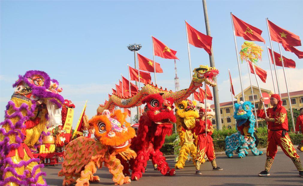 Фестиваль кита во Вьетнаме 1d22f9b354377bb93033700ed0e6bf06.jpg