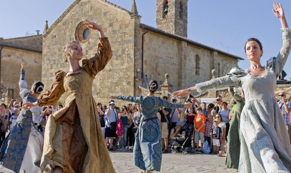 Праздник Святого Иоанна Крестителя во Флоренции 1f10ce7085feba1da28e1fc06b2ada61.jpg