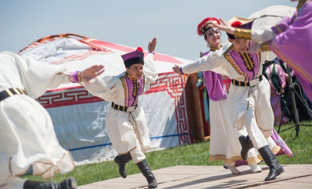 Фестиваль тюльпанов в Калмыкии 2058c2f2e470556e3002034cda89594a.jpg