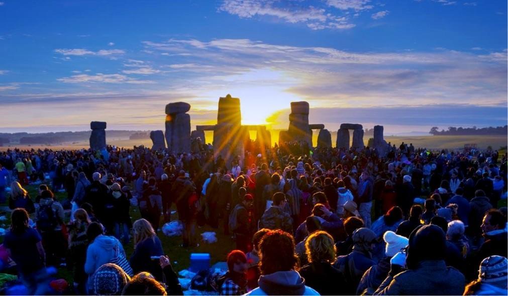 День летнего солнцестояния в Стоунхендже 207a15becea4d202cdc9964bfbfe94b6.jpg