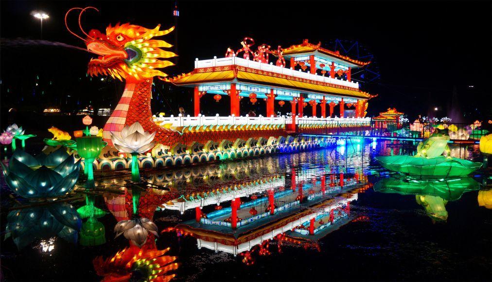 Фестиваль фонарей в Цзыгуне 2313be686effe21e81444e135ee79fd1.jpg