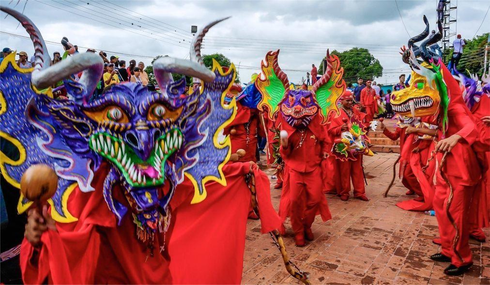Праздник танцующих дьяволов в Сан-Франсиско-де-Яре 236720c6b9c20bd5b72007967daa95b2.jpg
