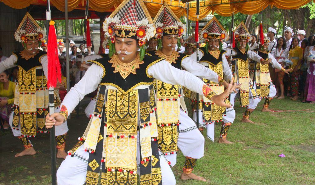 Праздник Сарасвати на Бали 25762afb780feb0aa7da3ecb8765c5e4.jpg