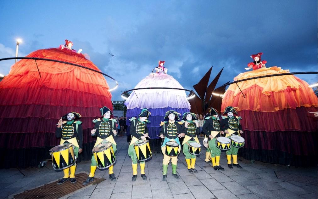 Международный фестиваль искусств в Голуэе 25e645a4ab987246f7d4f805ec758c0a.jpg