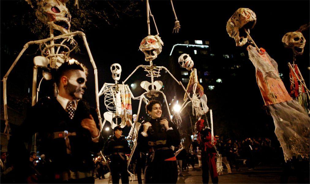 Вилладж Хэллоуин Парад в Нью-Йорке 26914d27a9e8a12ba4c6013d65bd8e4f.jpg