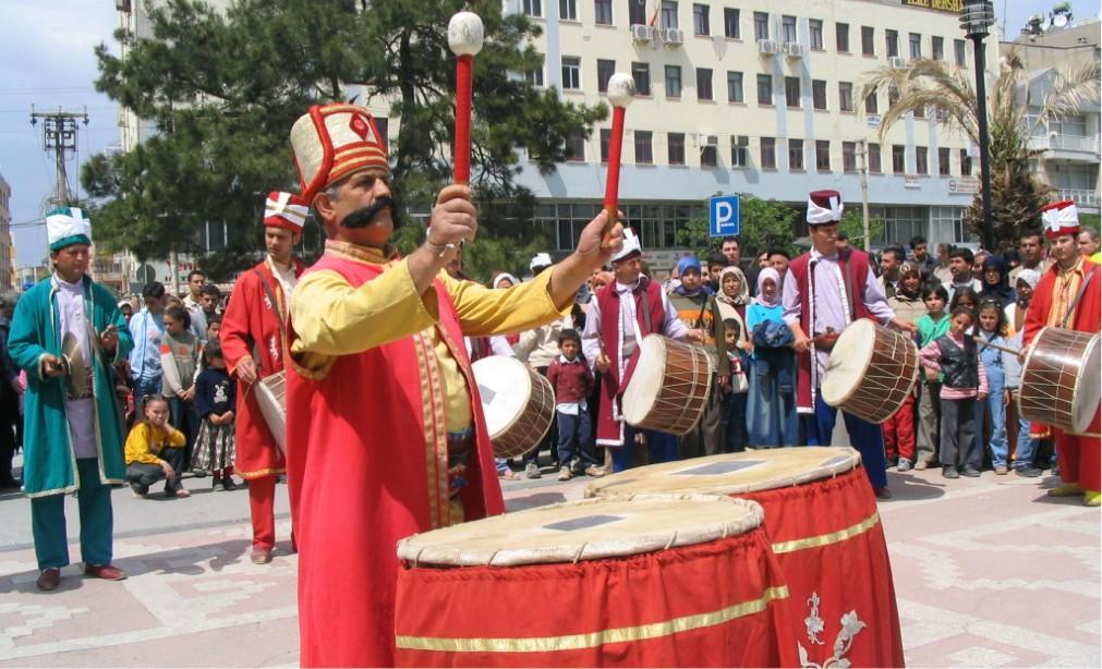 Фестиваль «Месир Маджуну» в Манисе 26d1bb3ac2720aebc3094af3372418da.jpg