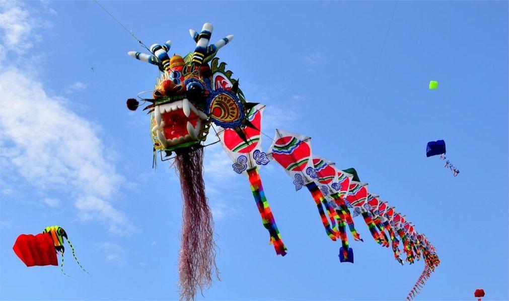 Международный фестиваль воздушных змеев в Вэйфане 279e76aed1fd74e9b72be52e784a6801.jpg