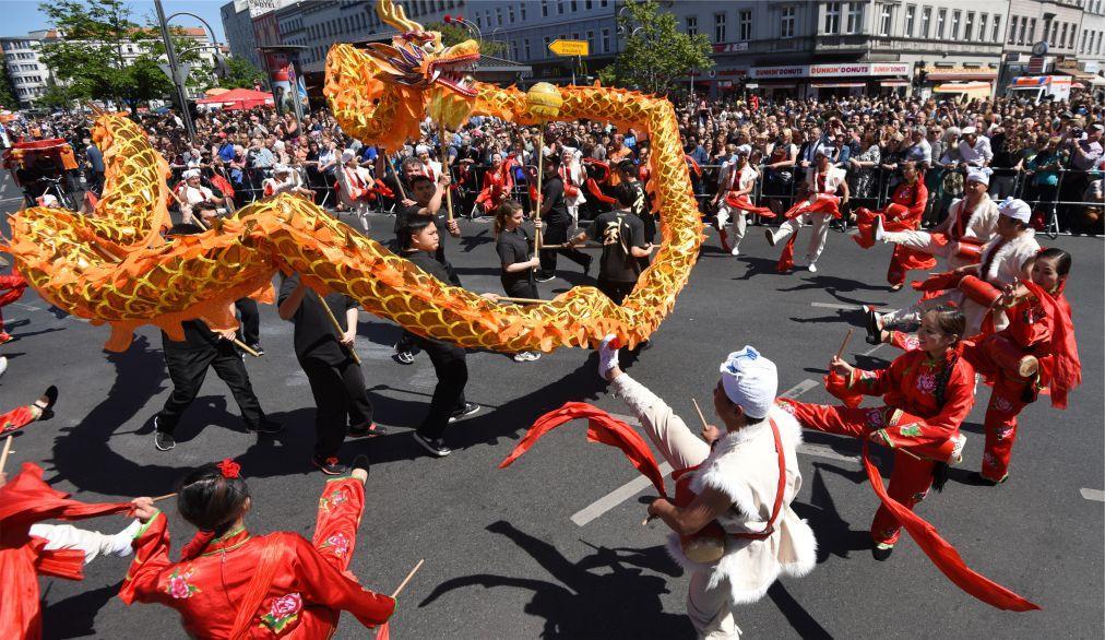 Берлинский карнавал культур 29ac1b55686d119e97eb6c73509f56f5.jpg